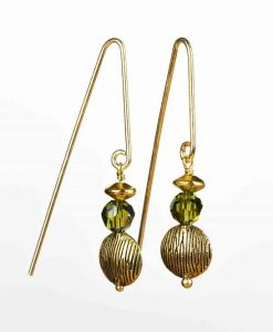 Forgyldte øreringe med fine perler