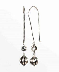 Lange øreringe med flotte perler