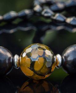 Halskæde med spændende perler