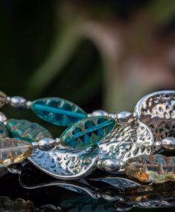 Kæde med spændende perler