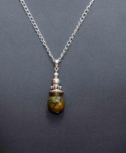 Vedhæng med perle i agat