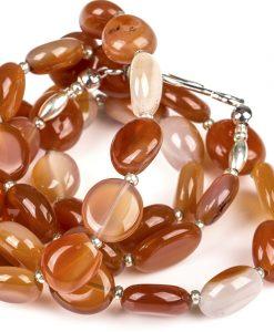 halskaede i roed agat perler