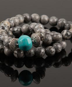 halskæde i grå picture jasper med turkis perle