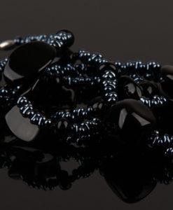 lang sort halskaede